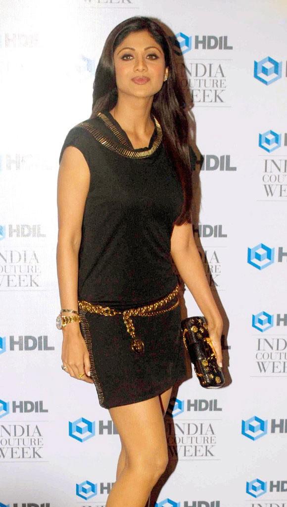 Shilpa Setty Hot Leggy Show  Ushasrees Blog-2623